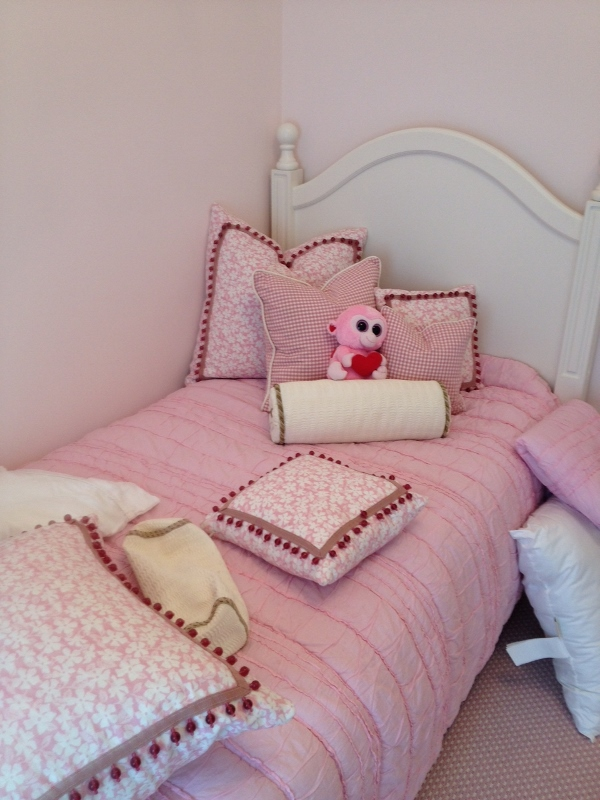 Pillows Cushions/26 Custom Made Pillows And Cushions With Beautiful Houles Trim